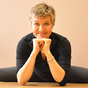 yoga instructor/therapist, cancer, exercise, Stephanie Adams cancer exercise training institute